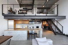 ▸ Located on Capitol Hill in Seattle, Washington, this industrial loft impresses with its architecture and design. Owners needed a layout that meets modern l. Loft Interior Design, Industrial Interior Design, Industrial Interiors, Loft Design, Home Interior, Eclectic Design, Apartment Interior, Loft Estilo Industrial, Industrial House