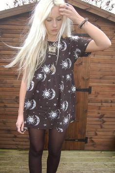 Motel Rocks Sun Moon & Star Dress. I need to have this dress. Think I'll need to make it.