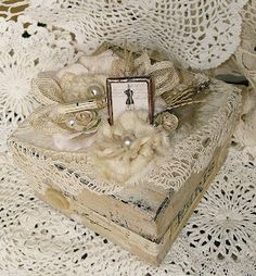 Shabby Chic Inspired: altered box