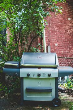 How To Clean Your Gas Grill — Cleaning Lessons from The Kitchn