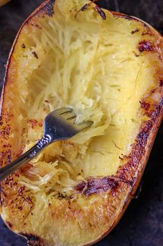How to Cook Spaghetti Squash Boats - Savory Thoughts Cabbage Stir Fry, Chicken And Cabbage, Diabetic Recipes, Low Carb Recipes, Cooking Recipes, Spaghetti Squash Boat, Squash Boats, Meat Sauce, Food Dishes