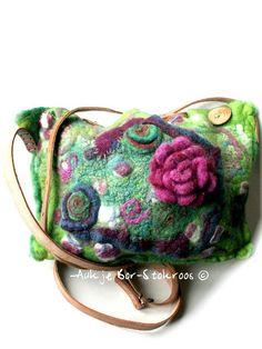 felted bag | made in 2011 | Aukje Bor-Stokroos