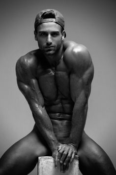 Lolo Mari by Joan Crisol | Exclusive | Homotography
