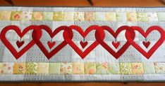 Whilst a small mug rug is a beautiful thing, sometimes a little bigger is just what is needed.  A tutorial that shows you how to enlarge a small mug rug quilt with Adobe and turn it into a much bigger quilt!  Yay!