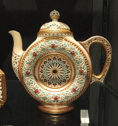 Teapot, designed by George Owen, made by Royal Worcester Porcelain Company - Royal Ontario Museum -