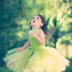 Green And Gold Dress, Prom Dresses, Formal Dresses, Ball Gowns, Fashion, Tutus, Dresses For Formal, Ballroom Gowns, Moda