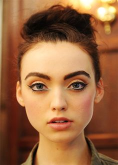 http://www.fashionfill.com/distinct-spring-inspired-beauty-expressions/