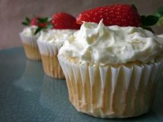 Skinny Strawberry Angel Food Cupcakes | Skinny Mom | Tips for Moms | Fitness | Food | Fashion | Family