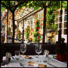 The Grand Hotel de Bordeaux & Spa's brasserie : Le Bordeaux, in summer with flowers and sun. http://www.ghbordeaux.com/uk/index.php#le-bordeaux.php