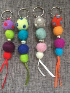 Diy Crafts To Sell, Crafts For Kids, Arts And Crafts, Wet Felting, Needle Felting, Felt Gifts, Sea Glass Crafts, Felt Decorations, Felt Ball