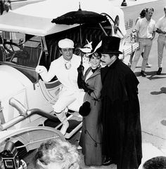 """4433379 - Actors Tony Curtis, left, Natalie Wood and Jack Lemmon stand in costume on the set of """"The Great Race"""" in Hollywood, Calif., on June (AP Photo) Jack Lemmon, Iconic Movies, Classic Movies, Golden Age Of Hollywood, In Hollywood, Blake Edwards, The Great Race, Tony Curtis, Natalie Wood"""