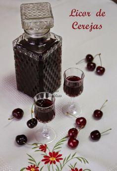 Licor de Cereja é uma forma excelente de aproveitamento desta fruta deliciosa e carnuda, para que possamos usufruir dela todo o ano.