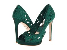 If I was gonna wear a green shoe for this day it would have to be these or somet If I was gonna wear a green shoe for this day it would have to be these or something really close to this Badgley Mischka Dacey in Emerald Green heels shoelove zappos Crazy Shoes, New Shoes, Me Too Shoes, Emerald Green Heels, Emerald Shoes, Emerald Green Wedding Shoes, Shoe Boots, Shoes Heels, Badgley Mischka Shoes