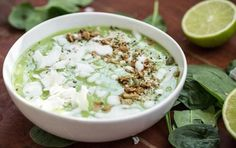 Green Tea Lime Pie Smoothie Bowl — Oh She Glows paleo smoothie; Superfood Recipes, Smoothie Recipes, Diet Recipes, Vegan Recipes, Delicious Recipes, Jai Faim, Healthy Green Smoothies, Smoothie Ingredients, Lime Pie