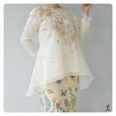 simple long sleeve top, kebaya modern indonesia peplum brokat bajubodo bodo khas makassar organza sutera organdi http://www.eiwaonline.com IG : @eiwaonline
