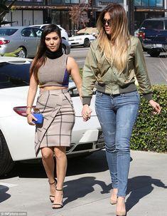 Khloe Kardashian️️ and Kourtney Kardashian style out&about in LA