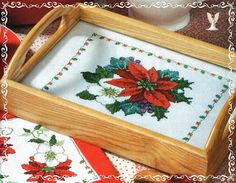Poinsettia tray liner - finished product - page 3 of 3