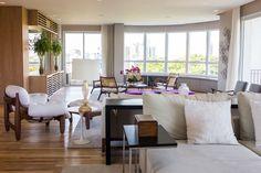 Conforto e vista para o verde. Veja: http://www.casadevalentina.com.br/projetos/detalhes/conforto-e-vista-para-o-verde-666 #decor #decoracao #interior #design #casa #home #house #idea #ideia #detalhes #details #style #estilo #casadevalentina