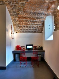 GombitHotel Contemporary Design In Medieval City in Bergamo, Italy 14