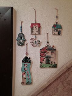 If you are looking for a cheap and creative way to add color and life into your interior, then look no further than ceramic plates. Pottery Houses, Slab Pottery, Ceramic Pottery, Diy Clay, Clay Crafts, Diy And Crafts, Arts And Crafts, Clay Houses, Ceramic Houses