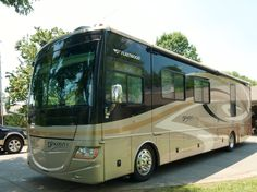 Check out this 2007 Fleetwood Discovery listing in Hendersonville, TN 37077 on RVtrader.com. It is a Class A and is for sale at $93500.