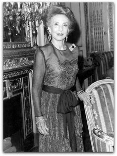 Aimée de Heeren, nascida Aimée Soto-Maior de Sá (Castro, 3 de agosto de 1903 - Nova York, 14 de setembro de 2006 ) foi uma socialite brasileira.  história completa no site: http://sergiozeiger.tumblr.com/post/99810774763/aimee-de-heeren-nascida-aimee-soto-maior-de-sa