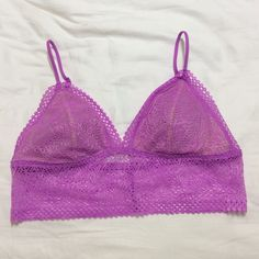 NWT Victoria's Secret bralette NWT Victoria's Secret size small bralette with removable pad inserts. Price is firm. Victoria's Secret Intimates & Sleepwear Bras