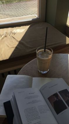 Aesthetic Coffee, Brown Aesthetic, Aesthetic Food, Aesthetic Photo, Aesthetic Pictures, Korean Aesthetic, Images Esthétiques, Coffee And Books, Study Inspiration