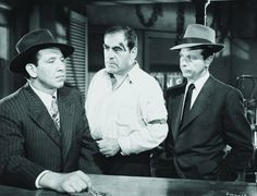 Still of Mike Mazurki, Dick Powell and Dewey Robinson in Murder, My Sweet (1944)