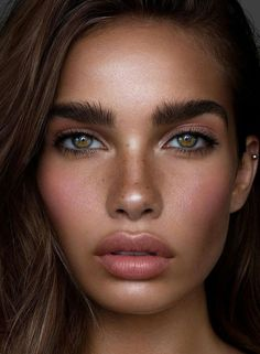 Hair and makeup inspiration from everyday to the runway. Makeup beauty tutorials natural hair hairstyles products makeup tips hacks eyes lips face everyday contour eyebrows vanity Beauty Make-up, Beauty Care, Beauty Women, Beauty Hacks, Hair Beauty, Beauty Tips, Natural Beauty, Beauty Tutorials, Natural Brows