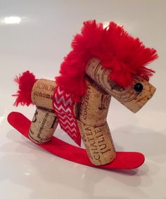 Red Cork Rocking Horse Diy Christmas Gifts, Holiday Crafts, Christmas Decorations, Christmas Ornaments, Wine Cork Art, Wine Cork Crafts, Crafts For Boys, Crafts To Sell, Wine Cork Ornaments