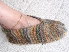 First Knitting Pattern - very easy knitted slippers