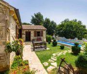Sobe Gobra, Steinhaus mit großem Garten und Pool