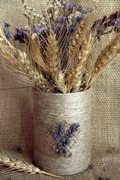Cum facem o vaza rustica dintr-o cutie de conserve - CAIETUL CU IDEI Twine Crafts, Craft Stick Crafts, Diy And Crafts, Sisal, Glass Painting Designs, Paint Designs, Pom Pom Tree, Pallet Art, Western Decor