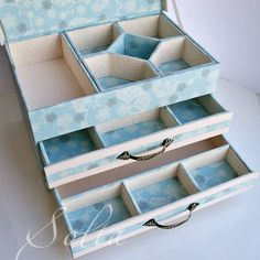Discover thousands of images about boite pour and sewing box ideas Cardboard Furniture, Cardboard Crafts, Diy Furniture, Paper Crafts, Jewelry Box Plans, Cardboard Organizer, Sewing Box, Craft Box, Diy Box