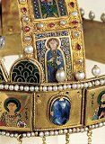 Huge Sapphire Between Saint Demetrios and Saint Damianos Most of the big stones of the diadem are semi-faceted. The hanging cabochon drops are customary on Byzantine diadems. They add flash and color to a man's long hair as he moves. Hungary History, Budapest, Byzantine Gold, Royal Jewels, Crown Royal, Hagia Sophia, Archangel Michael, Sacred Art, Illuminated Manuscript