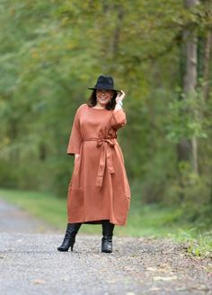 Wardrobe Oxygen in the And Comfort The Cambridge Tie Dress with Jenny Bird Factory Drop Earrings, an Ann Taylor black fedora and black heeled knee-high boots Burgundy Fashion, Orange Fashion, Black Fedora, Black Heels, Fall Fashion Trends, Winter Fashion, Fashion Ideas, Duo Boots, Old Fashioned Cornbread