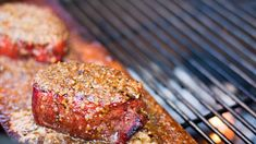 Filetto di manzo alla griglia con funghi porcini: la ricetta perfetta per il BBQ http://winedharma.com/it/dharmag/settembre-2014/filetto-di-manzo-alla-griglia-con-porcini-ricette-autunnali