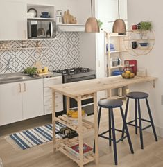 Small Modern Kitchen ,Modern Small Kitchen Design ,Kitchen Island Ideas for Small Kitchens ,Small Kitchen Decor ,Kitchen Ideas for Small Spaces kitchen bar 6 Modern Small Kitchen Ideas That Will Give a Big Impact on Your Daily Mood - Houseminds Small Modern Kitchens, Small Space Kitchen, Cool Kitchens, Small Spaces, Tiny Kitchens, Kitchen Modern, Vintage Kitchen, Small Kitchen Ideas On A Budget, Small Kitchen Tables