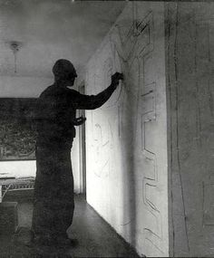 """LE Corbusier creating one of several """"unsolicited murals"""" at Roquebrune-Cap-Martin Le Corbusier, Eileen Gray, Pierre Jeanneret, North And South America, Built Environment, Science Art, World Heritage Sites, Artist At Work, Modern Architecture"""