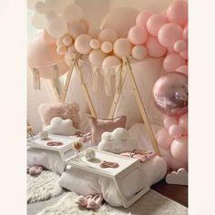 Birthday Sleepover Ideas, Fun Sleepover Ideas, Spa Birthday Parties, Sleepover Party, Slumber Parties, Tent Parties, Spa Party, Bachelorette Parties, Simple Birthday Decorations