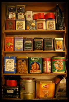 Vintage tea tins by drobiazg