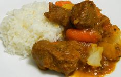 Puerto Rican Carne Guisada recipe: Carne guisada, or beef stew, is a very popular dish in Puerto Rico. It's our version of beef stew but with our ingredients, such as adobo and sofrito, for its signature flavor Puerto Rican Dishes, Puerto Rican Cuisine, Puerto Rican Recipes, Beef Recipes, Mexican Food Recipes, Cooking Recipes, Recipies, Soup Recipes, Comida Latina