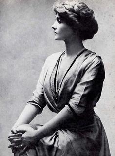 Coco Chanel, Gabrielle Chanel (1883-1971)