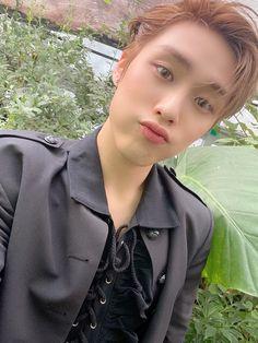 Kim Young, Cute Ear Piercings, Tongue Piercings, Dermal Piercing, Cartilage Piercings, Peircings, Tragus, Septum, My Sunshine