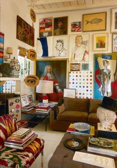 00 Trend Maximalist Decor IDeas for Home, You Must Like This You would like your house to appear eclectic and interesting. Decorating your house is a simple yet bold method to showcase your personality, style an… World Of Interiors, Room Inspiration, Interior Inspiration, Deco Cool, Maximalist Interior, Deco Studio, Decoration Bedroom, Home And Deco, Eclectic Decor