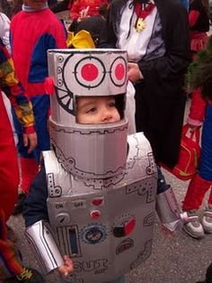 Recycled Robot cardboard costume #robot