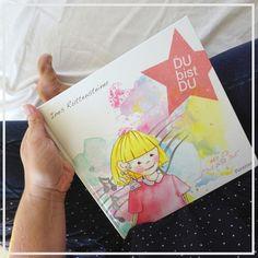 Buchtipp: DU bis DU - ein Mutmacher-Buch für alle Erstklässler. Das Kinderbuch soll helfen, Ängste zu überwinden und sich neuen Situationen zu stellen.