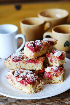 Strawberry almond cake bars