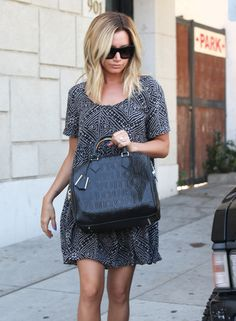 Ashley Tisdale Shopping In A Cute Dress - http://oceanup.com/2014/08/23/ashley-tisdale-shopping-in-a-cute-dress/